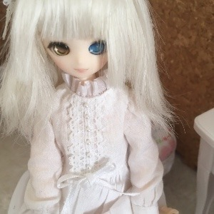 freia-doll